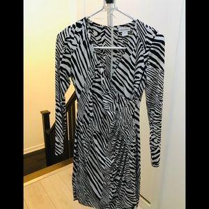 ❤️ Calvin Klein Zebra Print Dress- Size 6 ❤️